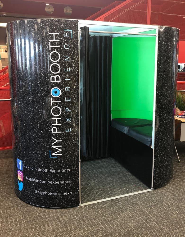wedding green screen booth