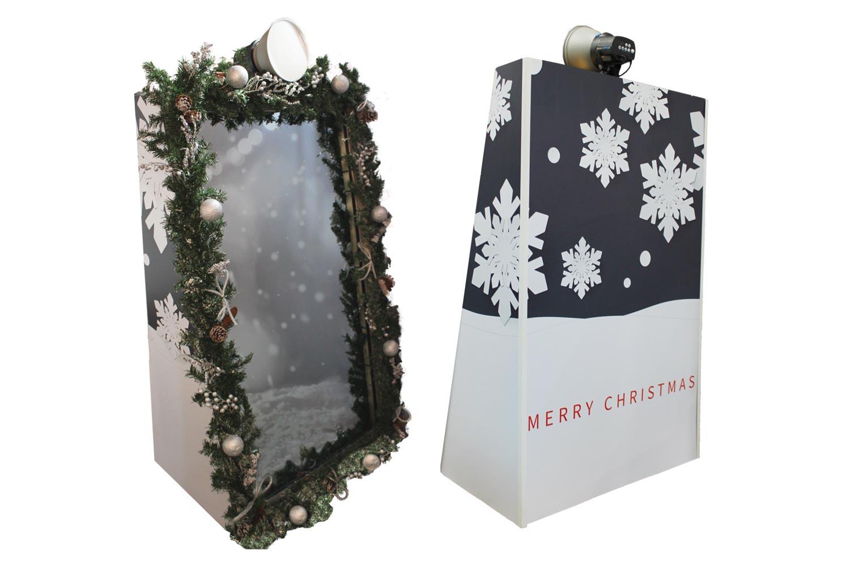 christmas mirror booth