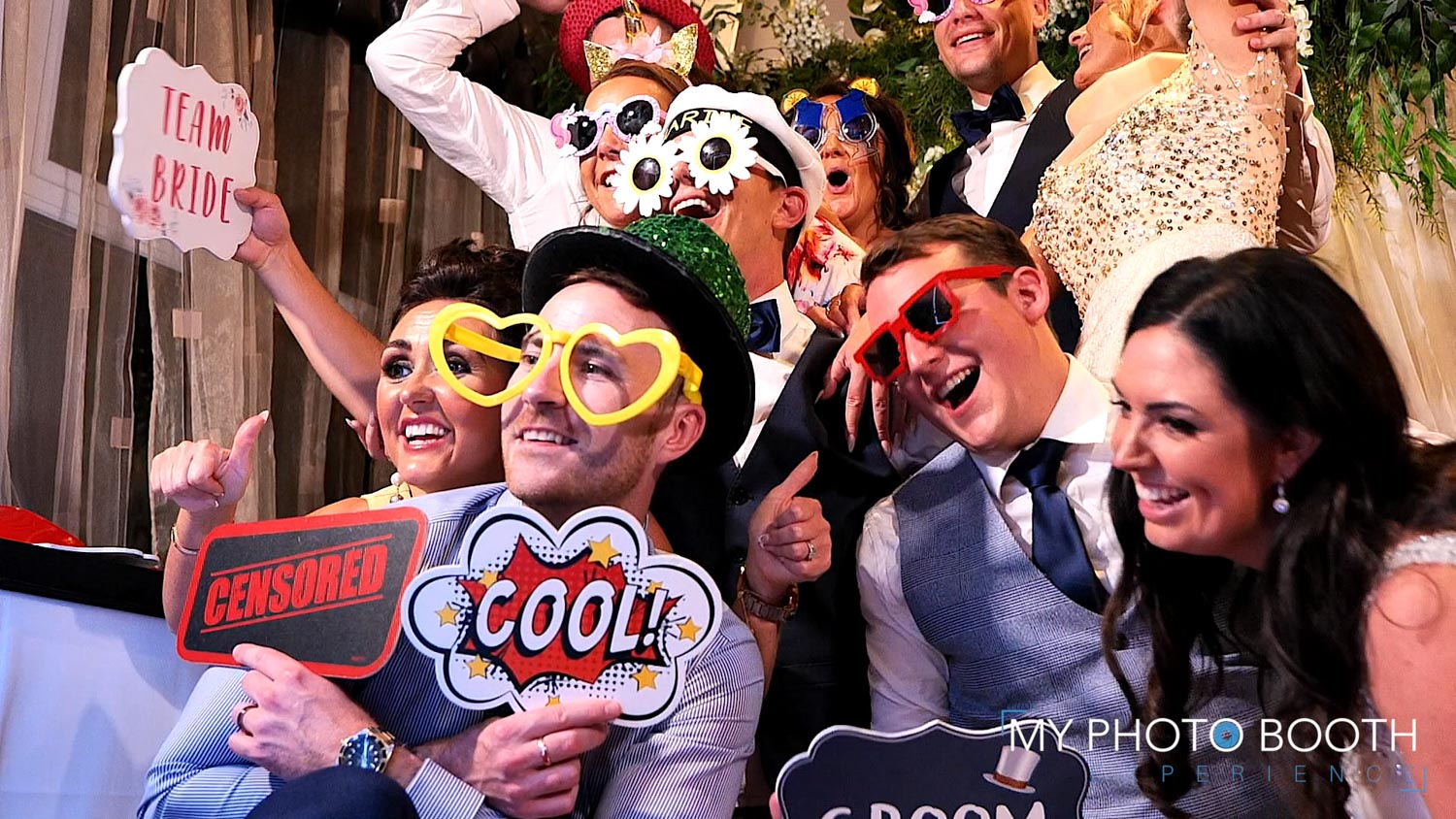 party photo booth hire wedding