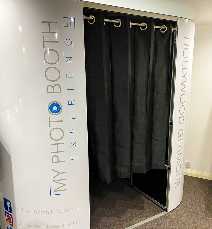 hollywood glamour photo booth